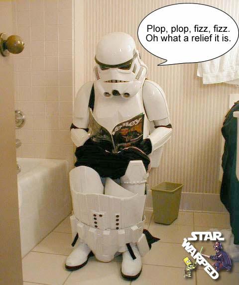 Funny-stormtroopers-bathroom-break