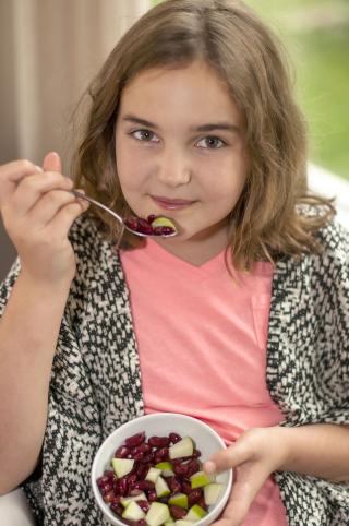Harper eating beans 2